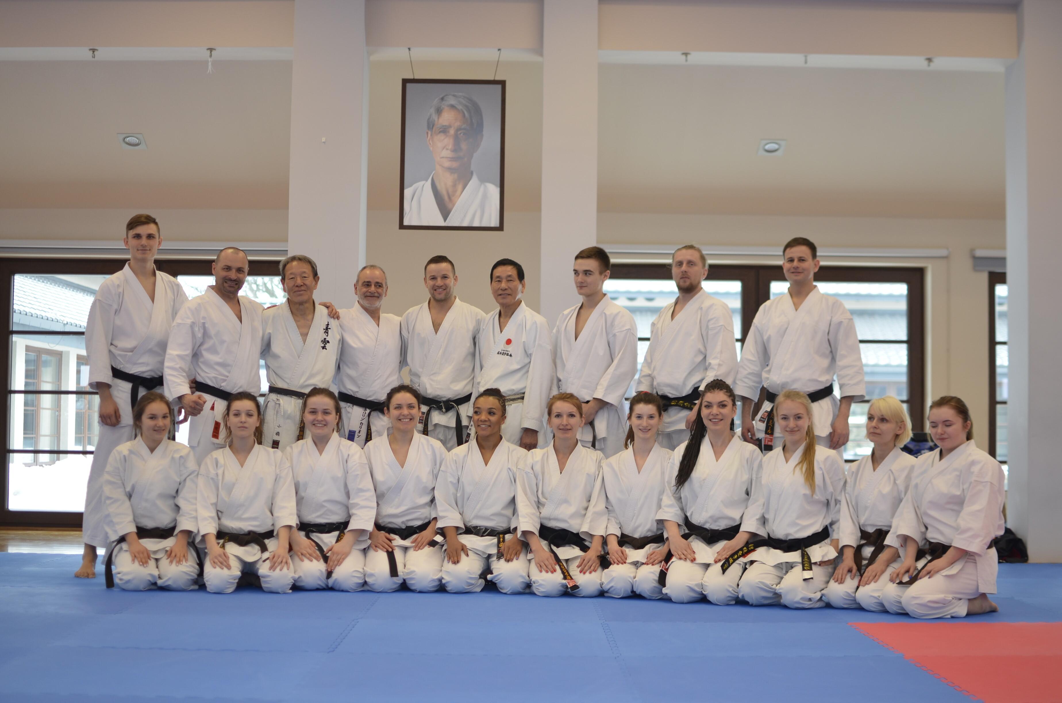 <p>17 karateków AKT szkoliło się podczas międzynarodowego zgrupowania Winter Gasshuku 2017, które trwało od 15 do 19 lutego w Dojo Stara Wieś.</p>