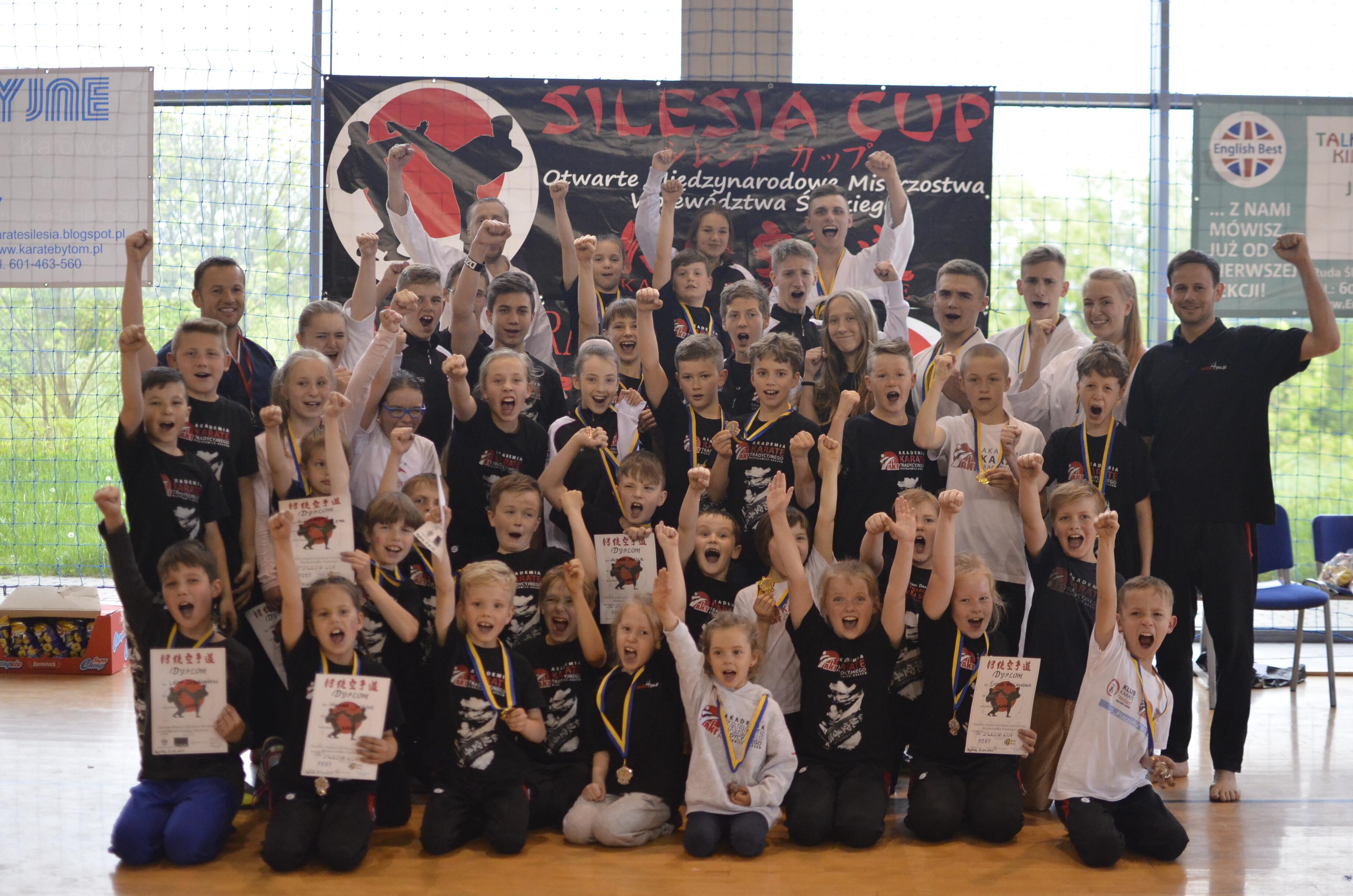 <p>34 medale (14 złotych, 6 srebrnych i 14 brązowych) zdobyliśmy 21 maja 2017 roku w Bytomiu podczas Międzynarodowych Otwartych Mistrzostw Województwa Śląskiego – Silesia Cup!</p>