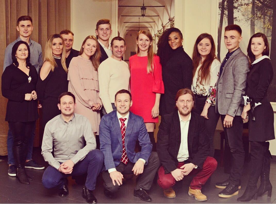 <p>22 grudnia instruktorzy i pracownicy Akademii spotkali się na świątecznej kolacji w Hotelu Niepołomic. </p>