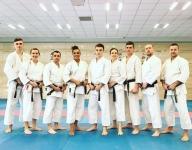 <p>9-osobowa ekipa AKT szkoliła się na corocznym kursie sędziowskim, którego wiosenna edycja odbyła się 16-18 marca w Dojo Stara Wieś.</p>