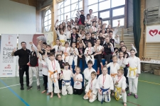 <p>7 kwietnia reprezentanci AKT wystartowali w V Pucharze Warsa i Sawy, który odbył się w Warszawie. Ze stolicy wrócili z 40 medalami (16 złotych, 14 srebrnych i 10 brązowych)!</p>