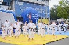 <p>8 września nasi karatecy zaprezentowali się na 3. Krakowskim Forum Sportu, które zorganizowano na Stadionie Miejskim im. Henryka Reymana w Krakowie.</p>