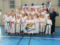 <p>1 grudnia wybraliśmy się na Mikołajkowy Turniej Karate Tradycyjnego do Rzeszowa. Nasi zawodnicy wywalczyli 24 medale (10 złotych, 7 srebrnych, 7 brązowych). </p>