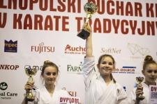 <h5>Ogólnopolski Puchar Krakowa</h5><p>33 medale (12 złotych, 8 srebrnych i 13 brązowych) wywalczyli nasi karatecy podczas IV Ogólnopolskiego Pucharu Krakowa w Karate Tradycyjnym. Zawody rozegrano 30 marca w hali widowiskowej Hutnika w Krakowie.</p>