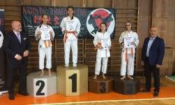 <h5>Międzywojewódzkie Mistrzostwa Młodzików</h5><p>5 października w Bytomiu rozegrano Międzywojewódzkie Mistrzostwa Młodzików. Karatecy AKT wywalczyli 2 złote, 2 srebrne i 1 brązowy medal oraz 3 czwarte miejsca. </p>