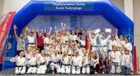 <h5>Puchar Mistrza</h5><p>42 medale wywalczyli nasi karatecy podczas Pucharu Mistrza, który odbył się 28 września we Wrocławiu. Zawodnicy przywieźli 16 złotych, 14 srebrnych i 12 brązowych krążków.</p>