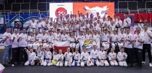 <h5>Mistrzostwa świata w Brnie</h5><p>Kapitalny start karateków AKT w Mistrzostwach Świata Dzieci, Kadetów i Juniorów. Nasi zawodnicy przywieźli 63 medale (12 złotych, 23 srebrne i 28 brązowych). Zawody rozegrano 10 listopada w Brnie. </p>